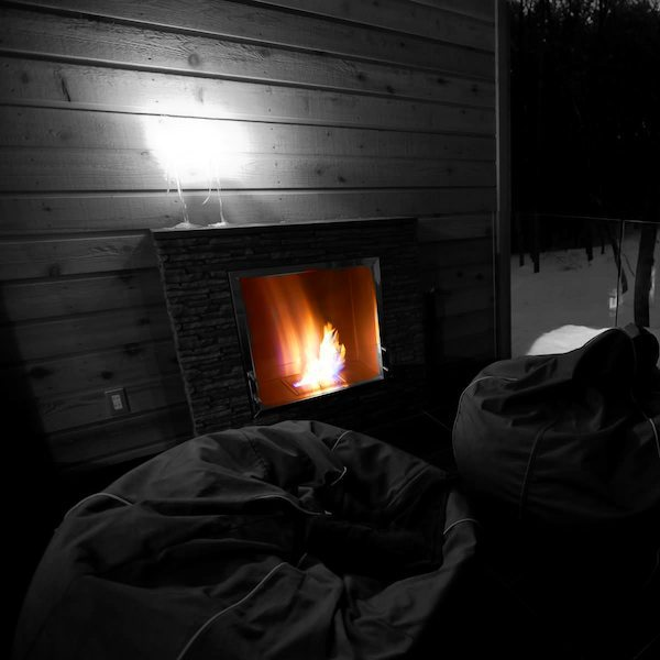 fireplace_onechalets_firecolour